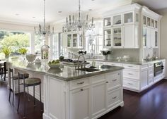 I loathe white kitchens but, otherwise, love this look.