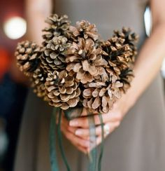 Lovely pine bouquet for your christmas wedding 50 ideas 43 Red Bouquet Wedding, Bridesmaid Bouquet, Floral Wedding, Wedding Colors, Bridesmaids, Pinecone Bouquet, Rustic Bouquet, Christmas Wedding, Fall Wedding