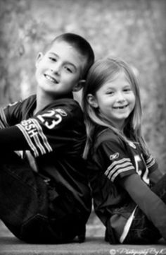 poses of football brother and cheer sister | Sibling photo in football season.