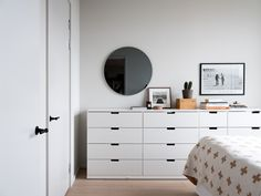 〚 Cozy modern apartment in former industrial building in Stockholm 〛 ◾ Photos ◾Ideas◾ Design Small Space Interior Design, Country Bedroom Design, Ikea Nordli, French Country Decorating Bedroom, Beautiful Interiors, Bedroom Design, Apartment Bedroom Decor, Loft Spaces, Modern Apartment