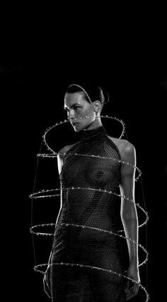 Kim Iglinsky wearing Alexander McQueen SS 1999 Repinned by www.fashion.net