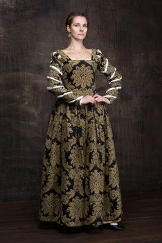 Renaissance woman dress 16th century Europe от RoyalTailor на Etsy