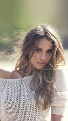 Jessica Alba ★ Find more celebrity wallpapers for your #iPhone + #Android @prettywallpaper