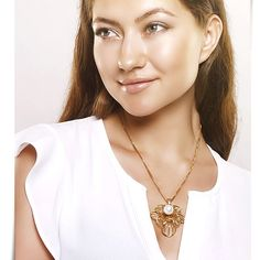 White Pearl Flower Necklace http://w-jewelries.com/necklace/white-pearl-flower-necklace-w-jewelries.html
