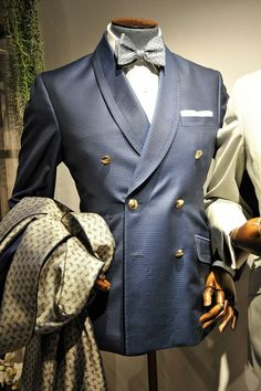 See the Turnbull Asser spring/summer 2016 menswear collection. Click through for full gallery Der Gentleman, Gentleman Style, Stylish Mens Fashion, Mens Fashion Suits, Men's Fashion, Sharp Dressed Man, Well Dressed Men, Estilo Cool, Look Man