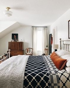 Perfect pattern mixing with warm touches throughout schoolhouseliving via creekwoodhill Dream Bedroom, Home Bedroom, Modern Bedroom, Bedroom Decor, Bedroom Ideas, Bedroom Neutral, Bedroom Orange, Design Studio, Home Design