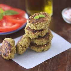 Pesto Quinoa Patties - Superhealthy, loaded with protein and so easy to make