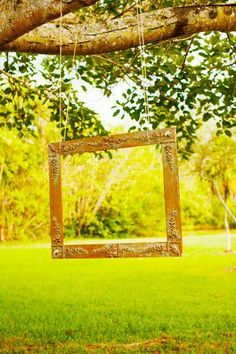 Photo Booth Idea: Hanging Picture Frame