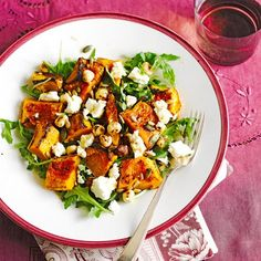 Salade van geroosterde pompoen , hazelnoten, zaden en feta - Jamie Oliver #lowcarb