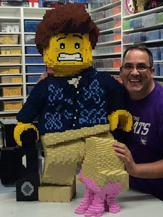 "Lego Bubblegum Dad - photo by Ryan (TheBrickMan), via Flickr;  This was ""made by Ashley using Pete Donner's original design (with modifications).""  It took about 8,000 Lego bricks. Lego Words, Big Lego, Lego Pictures, Amazing Lego Creations, Lego Sculptures, Lego People, Lego Construction, Lego Design, Lego Duplo"