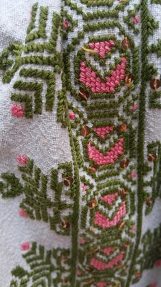 Diy Projects To Try, Embroidery Stitches, Elsa, Costumes, Blanket, Crochet, Seed Stitch, Dress Up Clothes, Fancy Dress