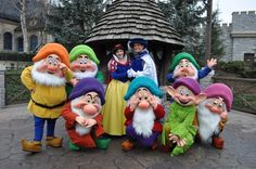 Snow White and Cast at DLP