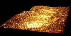 tappeto volante.installazione luminosa in porcellana.Misure 150x130cm.