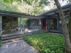 mid century modern,Manfred Hufschmid,New York Breezeway between living spaces…