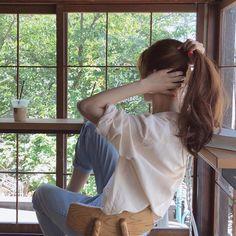 lifestyle chill lifestyle aesthetic aesthetics korean japanese aesthetic beige streets clothes korean style beige aesthetic ethereal minimalistic café coffee tiramisu walking grunge gardens street sings light soft pastel r o s i e Aesthetic Hair, Korean Aesthetic, Aesthetic Photo, Beige Aesthetic, Japanese Aesthetic, Summer Hairstyles, Messy Hairstyles, Fashion Hairstyles, Korean Hairstyles Women