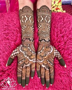 If you are looking for bridal mehndi designs for your wedding, then check out these top 30 mehandi images for some inspiration. Right from a simple mehndi design to an elaborate bridal henna design, you'll find it in here! Wedding Henna Designs, Indian Henna Designs, Engagement Mehndi Designs, Latest Bridal Mehndi Designs, Full Hand Mehndi Designs, Mehndi Designs 2018, Mehndi Designs For Girls, Dulhan Mehndi Designs, Beautiful Henna Designs