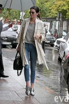 Tieto topánky by ste nosili? Kendall Jenner áno a jej outfit je dokonalý!   Eva.sk