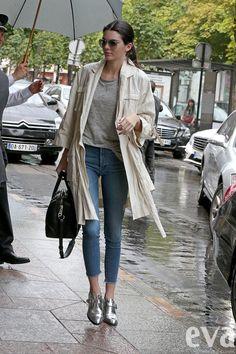 Tieto topánky by ste nosili? Kendall Jenner áno a jej outfit je dokonalý! | Eva.sk