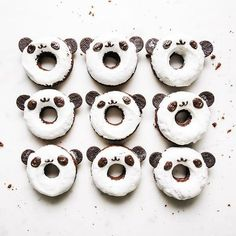 I don't know why, but when I woke up this morning I was just craving donuts and now we're here. Check out 26 donut designs that are too cute to eat! Cute Donuts, Mini Donuts, Baked Donuts, Doughnut, Panda Cupcakes, Donut Recipes, Dessert Recipes, Desserts, Cute Food
