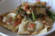Living in Sin: Meatless Monday - Mozzarella & Sundried Tomato Ravioli with Asparagus & Walnuts