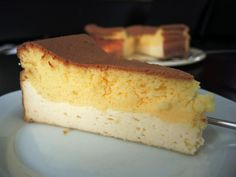 Eierschecke ohne Boden Groundless egg pit, a delicious cheesecake with no bottom that can be prepared quickly and easily. Cheesecake, Salad Dressing Recipes, Evening Meals, Mushroom Recipes, Food Items, Chocolate, Vanilla Cake, Vegetarian Recipes, Chill