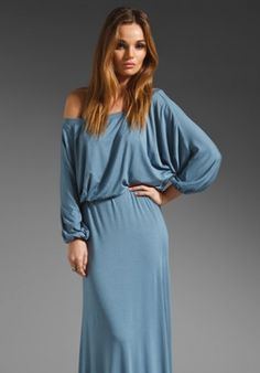e957b1c4f27d8 Off the shoulder maxi dress - This silhouette was suggested