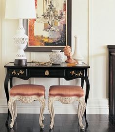 With a table vignette this is normally achieved by placing one tall item {most often a lamp} alongside several smaller items.- love the black table Glamour Decor, Home Decor Inspiration, Design Inspiration, Design Ideas, Interior Decorating, Interior Design, Colorful Interiors, Consoles, Home And Living