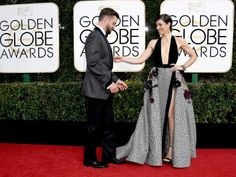 Justin Timberlake and Jessica Beal on the 2017 Golden Globe red carpet