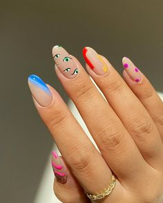 Looking for new manicure colors for this season? These are the best nail polish colors for summer 2020. Chic Nails, Stylish Nails, Swag Nails, Les Nails, Cat Eye Nails, Funky Nails, Nail Design For Short Nails, Funky Nail Art, Edgy Nails