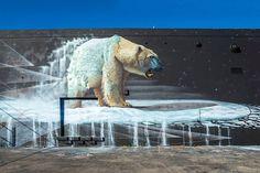 """Street Art: """"Nanuk"""" zeigt einen Eisbären in Miami  Der Street Artist Sonny mit Homebase in Südafrika setzt sich im Rahmen seiner Serie """"To the Bone"""" für gefährdete Wildtiere ein. Bevor es zu s...  #BaselHouseMuralFestival #eisbaer #miami"""