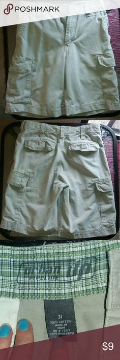 Urban Pipeline Khaki Cargo Shorts Good condition, just washed, and come from a smoke free home. 20% off on bundles! Urban Pipeline Shorts Cargo