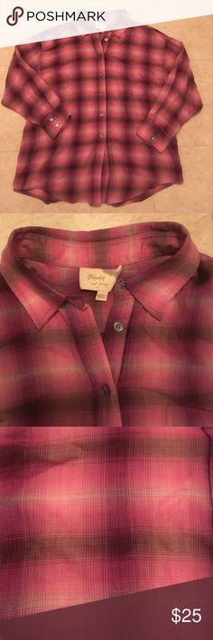 Elizabeth & James oversized flannel! Elizabeth & James oversized flannel! Gently Used! 100% Cotton, Machine Wash! Elizabeth and James Tops Button Down Shirts