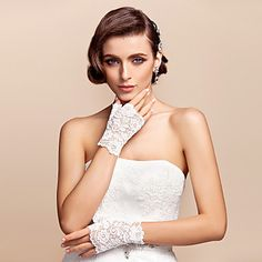 Chic Lace Fingerless Wrist Length Wedding/Evening Gloves – USD $ 4.47