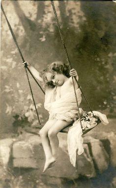 Маленькие принцессы на старинных открытках. Часть шестая. Обсуждение на LiveInternet - Российский Сервис Онлайн-Дневников