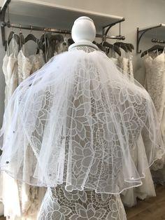 Perfectly cute! Communion Dresses, Veil, Cute, Accessories, Fashion, Moda, Fashion Styles, Kawaii, Peplum