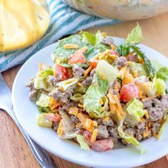 Low Carb Cheeseburger Salat auf einem Teller gemischt - www. Soup Appetizers Soup Appetizers dinners carb Soup Appetizers Appetizers with french onion Salad Recipes Video, Salad Recipes For Dinner, Healthy Salad Recipes, Low Carb Recipes, New Recipes, Canadian Recipes, English Recipes, Game Recipes, French Recipes