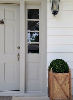 Exterior Paint Colors That Increase Curb Appeal Siding Is Sw Pure White And Door Color Is Sw Dorian Gray. Best Front Door Colors, Best Front Doors, Grey Front Doors, Front Door Paint Colors, Exterior Paint Colors For House, Painted Front Doors, Paint Colors For Home, Front Door Painting, Windows
