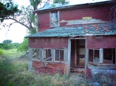 Fallis Homestead | Abandoned Oklahoma. One of the creepier buildings around the ghost town of Fallis OK.
