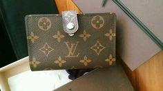 Closets - LOUIS VUITTON   LV Monogram wallet