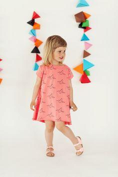 Niedliches Kleid in Koralle mit Kranichen / cute girly dress, coral with paper cranes by mamatu via DaWanda.com