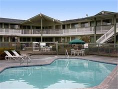 Days Inn Seattle Auburn Auburn (Washington) Adjacent to Iron Horse Casino, this Washington hotel features a seasonal outdoor pool, hot tub and sauna as well as a guest launderette. Free Wi-Fi is included in all guest rooms.  A cable TV is provided in all rooms at the Days Inn Seattle Auburn.
