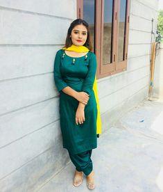 @kulwinderkaur Salwar Designs, Patiala Suit Designs, Kurti Designs Party Wear, Punjabi Suits Party Wear, Punjabi Salwar Suits, Punjabi Dress, Black Patiala Suit, Patiala Salwar, Pakistani Dresses