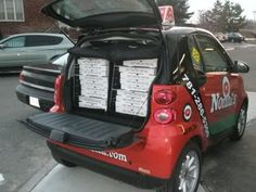 What better vehicle to delver pizzas in then the smart fortwo! Smart Fortwo, Smart Car, Vehicle, Pizza, Automobile, Vehicles