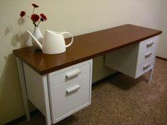 Metal Desk Makeover - Goodwill Outlet has metal desks for $15.