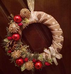 Christmas Christmas Wreaths, Holiday Decor, Home Decor, Christmas Swags, Homemade Home Decor, Holiday Burlap Wreath, Interior Design, Home Interiors, Decoration Home