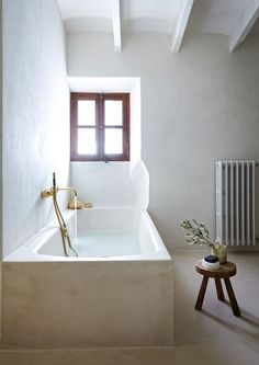 Plaster Bathroom - Plaster Bathtub