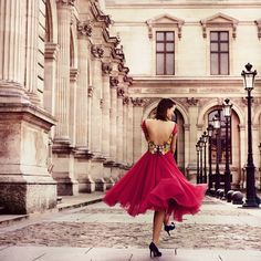 Walking on a dream! Loved this shoot in Tuilleries Gardens, Paris. I'm wearing a beautiful Rozalia Bot dress.