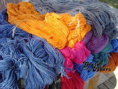 Greta and the fibers, lana teñida a mano de forma artesanal hand dyed yarn Barcelona