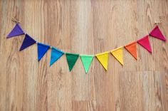 EASY bunting tutorial...no sew.