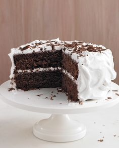 Chocolate Cake Recipes: Sometimes, all it takes is a simple chocolate cake the make everything better. This recipe is the perfect go-to for all occasions, form birthday parties and office get-togethers to dinner soirees and solo celebrations (in other words, you don't always need an excuse for cake).